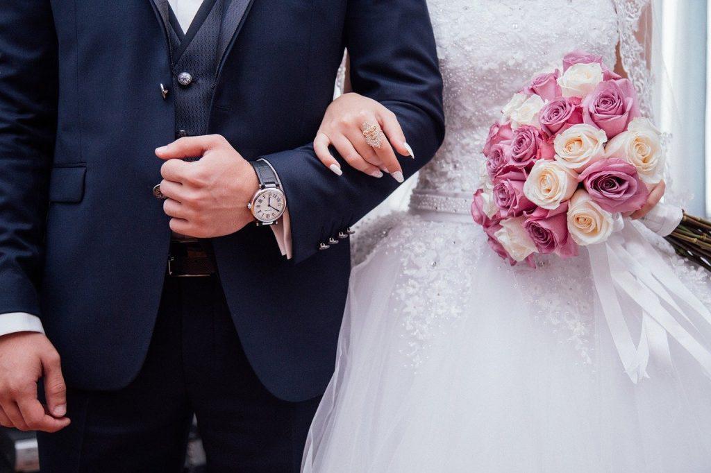 renovate your wedding photographs.