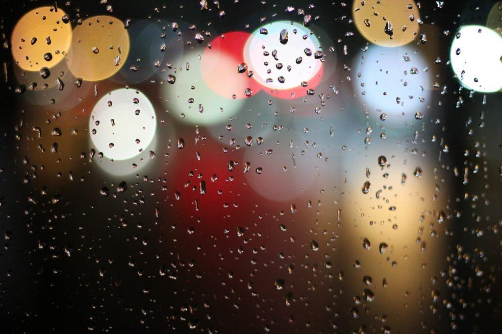 Rainy day photography with a spray